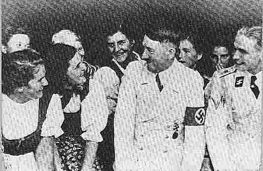 hitler visits girls school